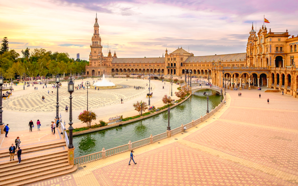 Top_cities_2018-Seville_PLaza_de_Espana